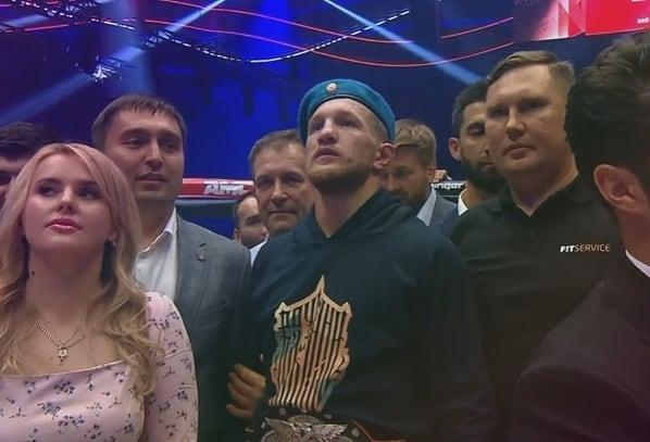 Владимир Минеев оказался сильнее чемпиона Гориллы. Теперь он лучший в Fight Nights